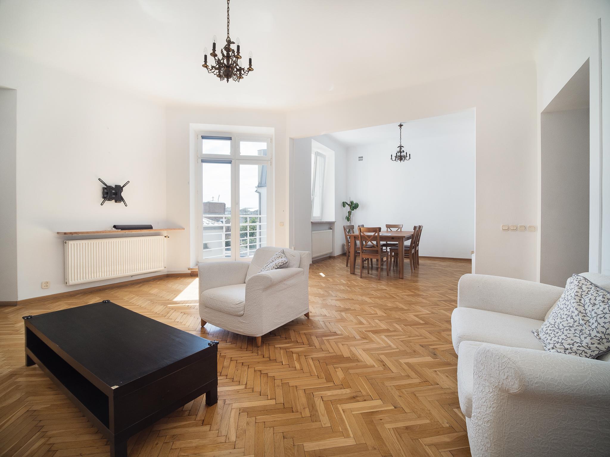Apartament na warszawskim powiślu w kamienicy do sprzedaży