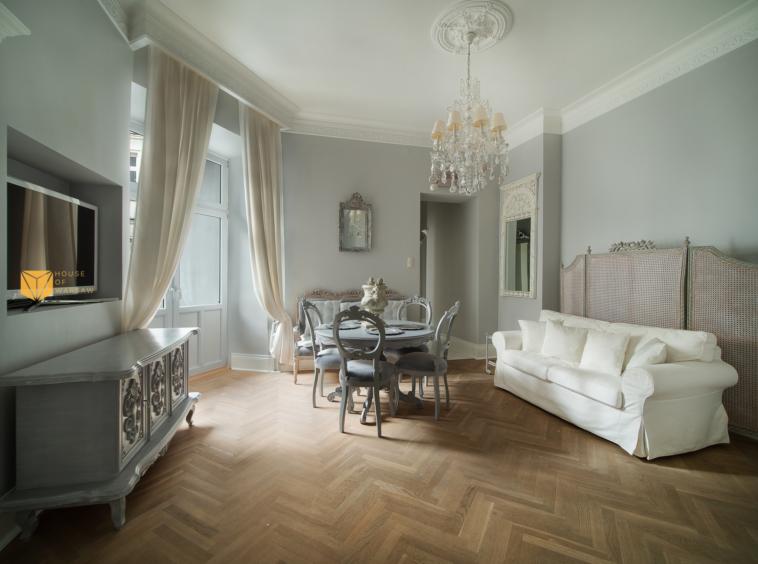 Luksusowy apartament do wynajęcia przy placu Trzech Krzyży